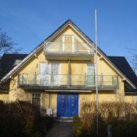 Ferienhaus Frontansicht Ferienwohnung-Oststee-Nienhagen-Ostseeblick9